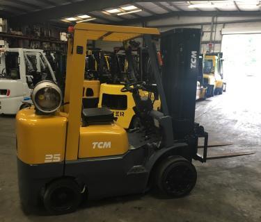 5000lb TCM Forklift 3 Stage Mast Side Shifting Forks Propane